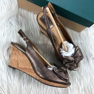 NiB Clarks Bronze Bow Sling Back Wedge Sandals